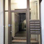 דלת כניסה בשילוב קודן